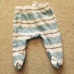 ベビーのズボンを、ちょっと改造したら、長くはけるようになったよ。